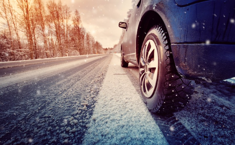PHOTO VOITURE HIVER